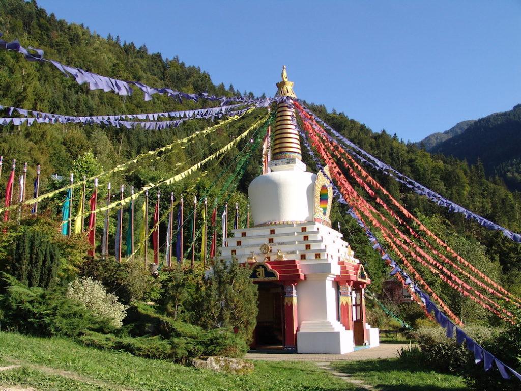 centre de karma ling tissus de prières