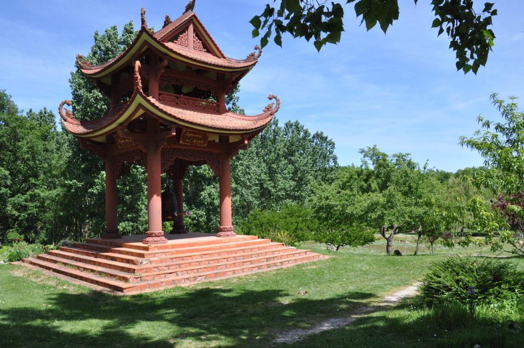pagode du village des pruniers